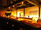 雰囲気抜群のカウンター席はデートやご友人同士のお食事にも。