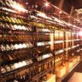 廊下にはワインやスパークリングのボトルがずらりと並んでいます♪