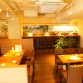 きれいな店内で貸切パーティー★お席のレイアウトは変更可能です。