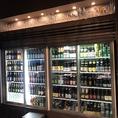 ボトルビールは常時70種類以上の品揃え。今月のおすすめ品だけでなくお料理に合わせて、気分に合わせて様々なビールをお楽しみいただけます。
