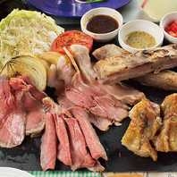 色々なお肉を楽しめるローストミート