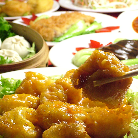 宴会に最適!ボリューム満点かつ美味しい本場中華の大皿料理が並びます♪