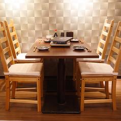 4名様テーブルでのご案内致します。