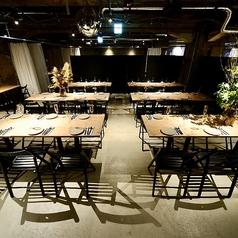 パーテーションで区切ることにより、小団体のお客様にも個室空間でのご宴会を楽しんで頂けます★お客様の人数やニーズに合わせてレイアウトのご変更も可能ですので、お気軽にお問い合わせください!