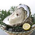 倉橋産の牡蠣や穴子、ウニホーレン、絶対に食べていただきたい牛コウネの炙り等、広島の名物や絶品グルメを多数ご用意しております。おもてなしやご宴会で喜ばれること間違いなし!
