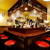 ワイン食堂 旅する子ブタ 東京駅グランルーフフロント店の雰囲気2
