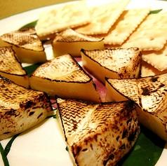 料理メニュー写真カマンベールチーズの炙り
