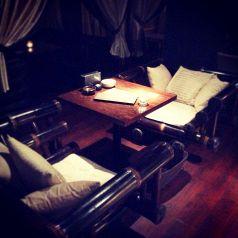 Baliから直輸入したバンブー素材の一人掛けソファー席☆プチアジアンTripしたい方は是非♪