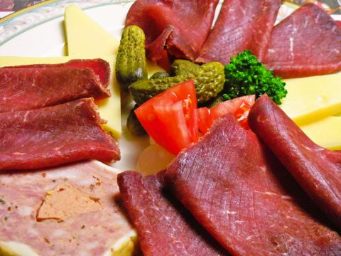 スイス・シャレー メニュー:DINNER 伝統料理 -  …