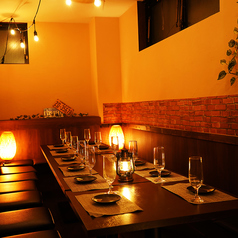 テーブルお席は30名様までご案内OK♪リーズナブルな飲み放題付きコースは3000円台から豊富にご用意しております♪草加での女子会や合コン・各種ご宴会などにも大人気のお席です!