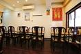 50名様まで着席可能な店内は、広々とした空間にゆったりとおくつろぎいただけるテーブル席をご用意しております。