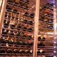ワインセラーにて品質管理