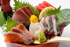 料理メニュー写真【刺身】名物!!桶盛り5種