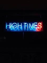 HIGH TIMESの写真