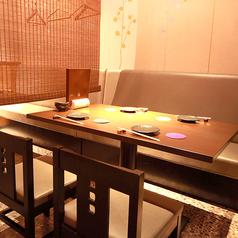 4名様テーブルは全部で3テーブルございます。