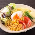 料理メニュー写真北海道産!生ラーメン使用!道産子ラーメンサラダ/北海道農園サラダ