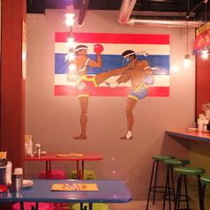 タイに国技として古くから伝わる格闘技。こちらもスタッフ力作の画!!戦士のボクサーは実は999のロゴが!!