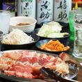 焼肉BBQ食べ放題はなんと1000円(税抜)~!カレー、みそ汁、キャベツ、スパ皿、キムチが食べ放題のフードバー付きでお得♪