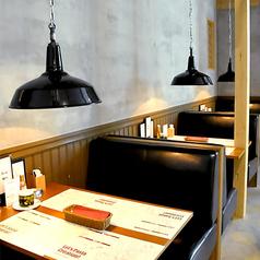2名様~4名様向けのお席です。落ち着い雰囲気ですのでゆっくりお食事したいお客様に◎
