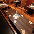落ち着いた雰囲気で8名様まで利用可能のテーブル席です。サークルの打ち上げに是非!値段も安いので2軒目にも最適です。美味しい鶏料理をお楽しみください。