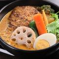 料理メニュー写真10種の野菜&手ごねハンバーグ