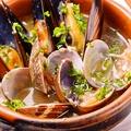 料理メニュー写真あさりとムール貝のワイン蒸し
