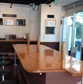 予約時(10名~)は仕切りを外して、テ-ブル席に変化します。宴会内容によってテーブルも増やせます。(要相談)
