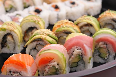 創作寿司ロールと創作料理 ランチ