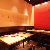 ランチタイム・ティータイム・ディナータイムと3つの顔を持つモダンで落ち着いた空間で、ゆっくりとお食事をお楽しみいただけます◎