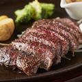 料理メニュー写真黒毛和牛レアローストステーキ