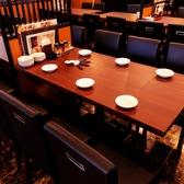 【テーブル:4名×2】テーブル席はご家族でのお食事や会社の飲み会、デートなどにおすすめ◎さまざまなシーンに合わせてご利用いただけます!