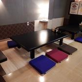 6名様の掘りごたつ式お座敷席です。お席の連結が可能ですので、大人数のご宴会も可能です。