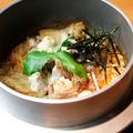 料理メニュー写真炭焼鶏釜飯 (鶏スープ2ヶつき)
