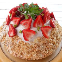 料理メニュー写真苺とラズベリーのミルフィーユ