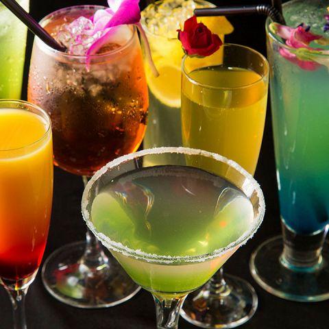 世界各国のワインに高級リキュールを使用したカクテルなど美味しいお酒をご用意しております!もちろんサワーやハイボール、ビールなど居酒屋の王道ドリンクもございますよ♪