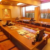 人数に合わせたテーブル席・お座敷・個室を多数完備!