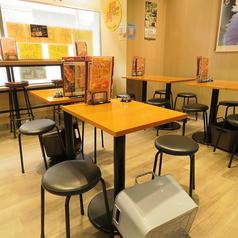 2名テーブル席は6卓のご用意がございます。
