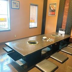 大切な仲間との食事にぴったり!2階の個室席は4名~12名まで利用可能。お医者様の接待でのご利用も多いです。