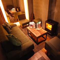 ラルフェリの暖炉付きの隠れVIPルーム(要予約)チャージ無料です!