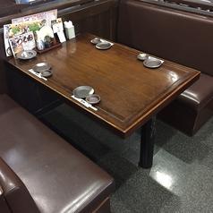 1Fテーブル席 4名席