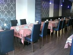 くつろげる空間でゆっくりと本場インド料理をお楽しみください。