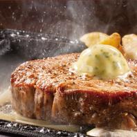 肉汁たっぷりの自慢のステーキ&ハンバーグをご用意♪