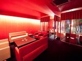 2F雰囲気の良いソファー個室。デートはもちろん、各種宴会でもご利用頂いております。レイアウトは自由に動かせます。