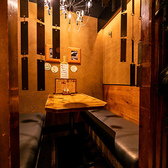 肉とワインの酒場 Ferrous フェローズ 新宿西口の雰囲気1