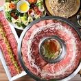 北海道産黒毛和牛や栗豚など厳選された素材を彩る料理長の技…美食家もうならせるコース料理をご用意。一つ一つ丁寧に盛りつけられた創作和食。新鮮野菜と旬の鮮魚を使用。種類豊富で大好評♪女子会やデート、合コンなど様々なシーンに最適。