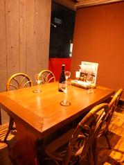 少人数宴会にもお勧めのテーブル席。