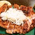 料理メニュー写真地鶏の黒胡椒焼き