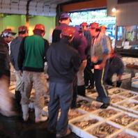 魚は仲買人の社長が毎朝市場で買い付けだからこのコスパ