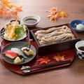 料理メニュー写真秋味天ぷらと蕎麦の握り寿司御膳