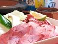 牛タン、豚トロ、豚バラ、いずみ鶏…多数のお肉をご提供致します!